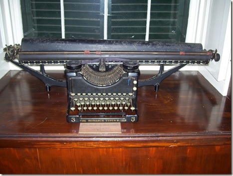 madeira news blog 0911 elaine pds old typewriter in the Blandy's Wine Lodge museum Funchal