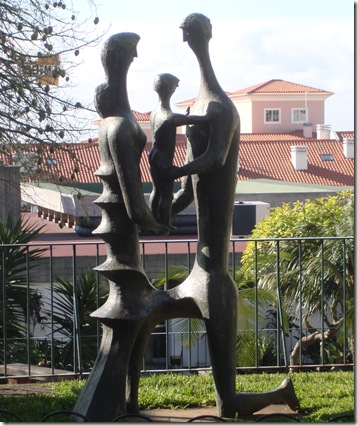 madeira news blog 1003 tom statue