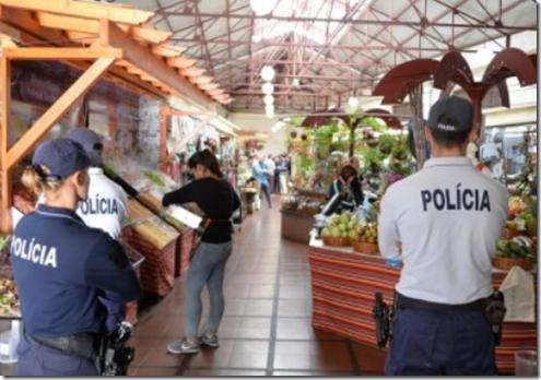 Farmers' Market - police watch traders
