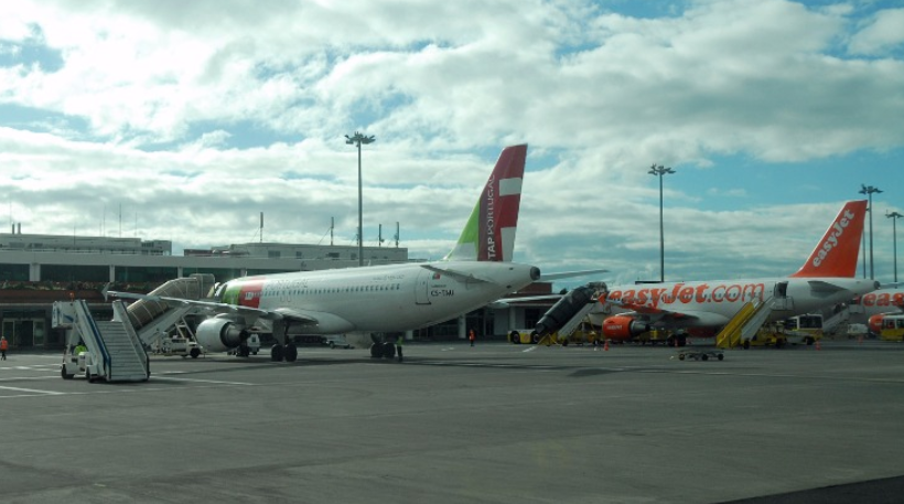 TAP and easyJet planes at Madeira airport