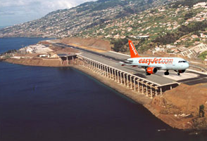 easyJet flight takes off from Madeira Airport