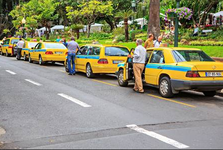Taxis in Central Funchal