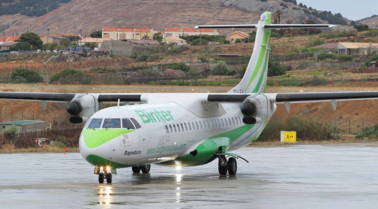 Binter plane in Porto Santo