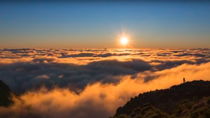 Pico Ruivo sunrise in time-lapse