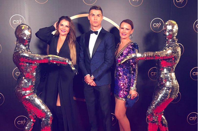 Ronaldo pictured with his two sisters