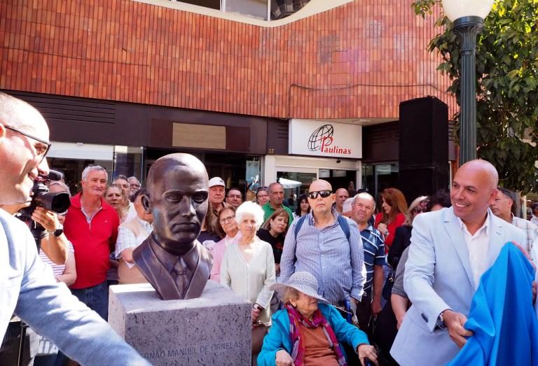 Rua Dr. Fernão de Ornelas - bust unveiled to commemorate former mayor