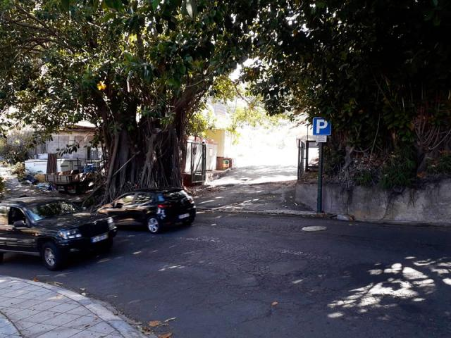 Car park at Praia Formosa
