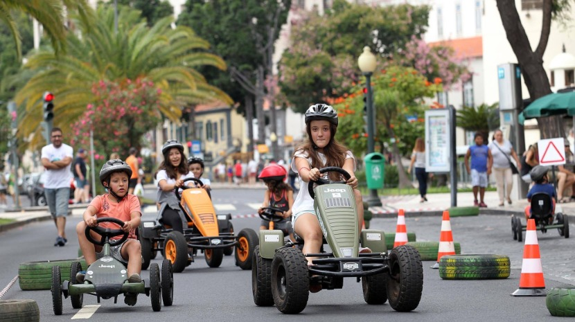 Funchal mobility week - scooters on the seafront