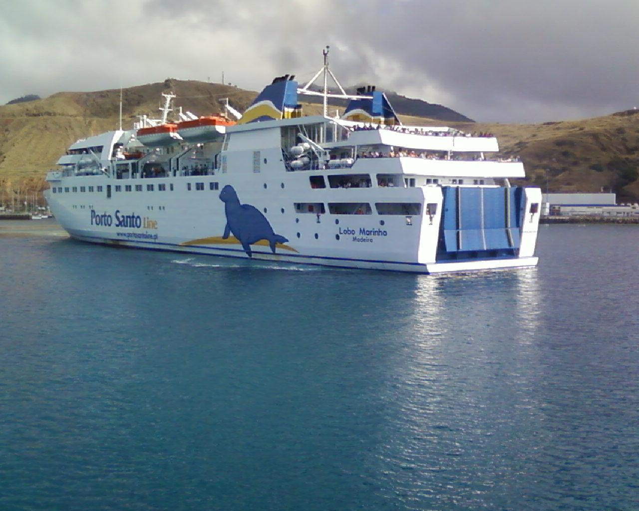 Porto Santo Ferry encounters problems • Madeira Island News
