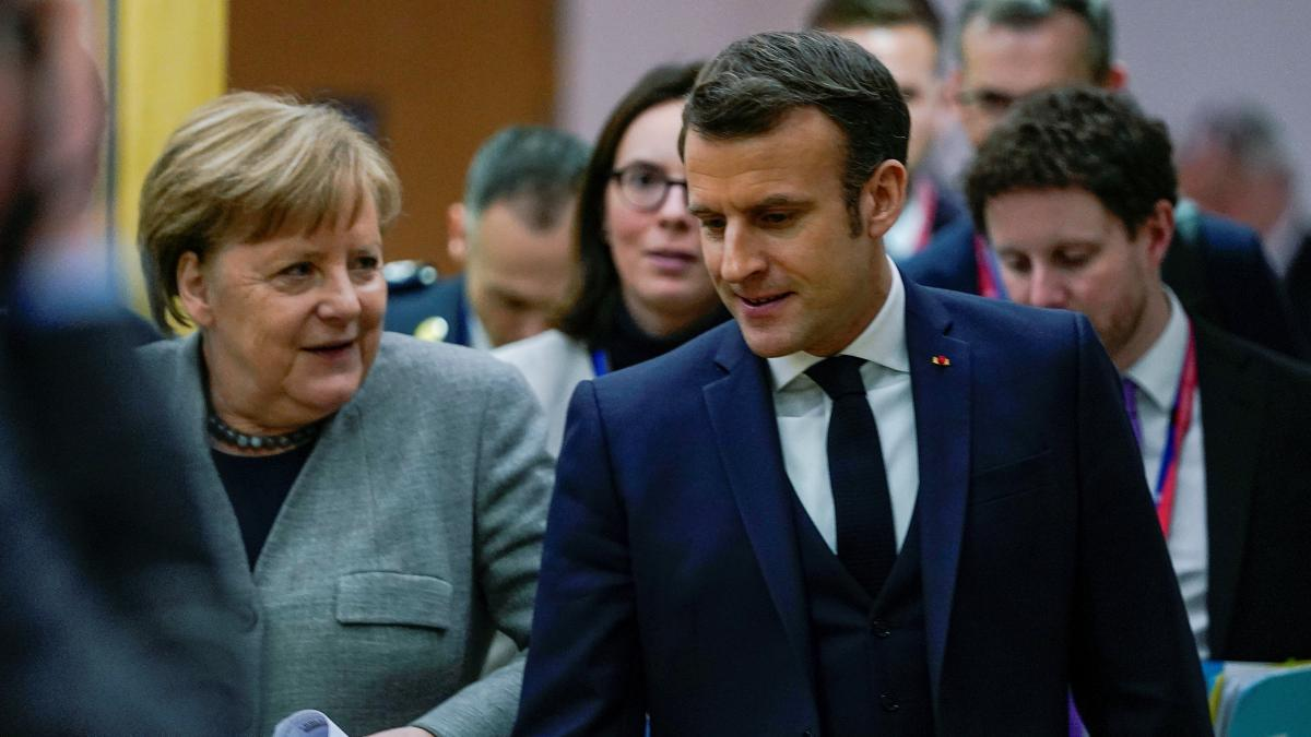 Merkel and Macron pictured at the EU summit